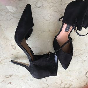 Steve Madden black suede heels with able closure